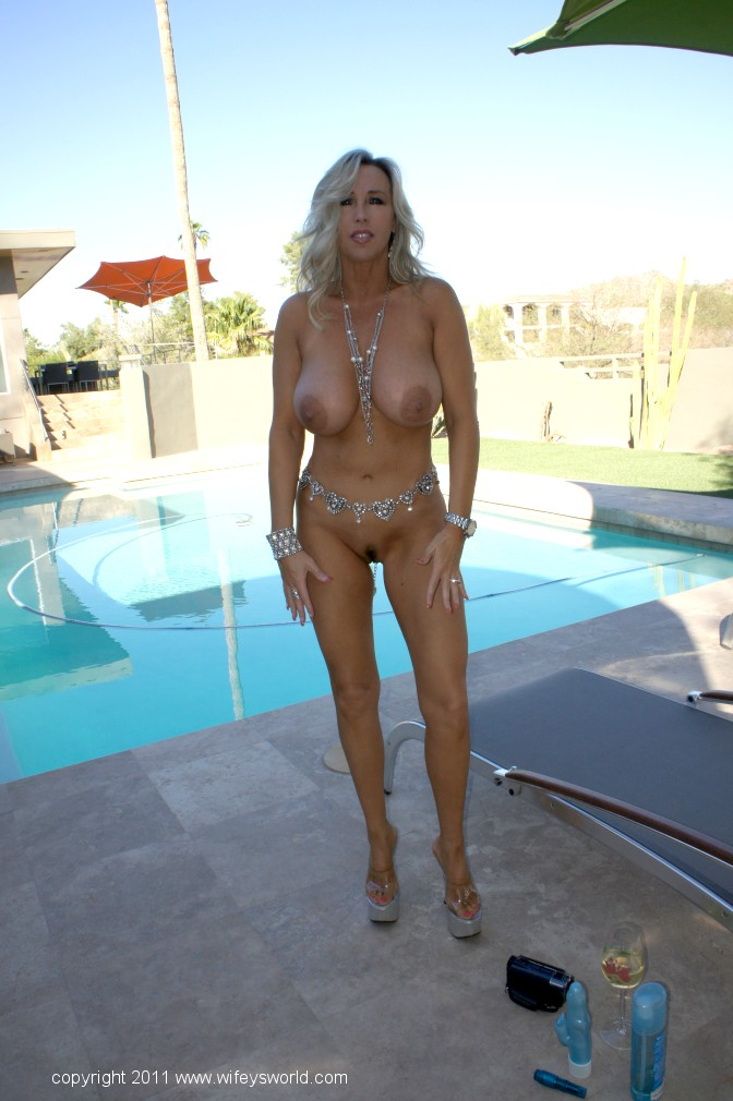 Wifey s world naked