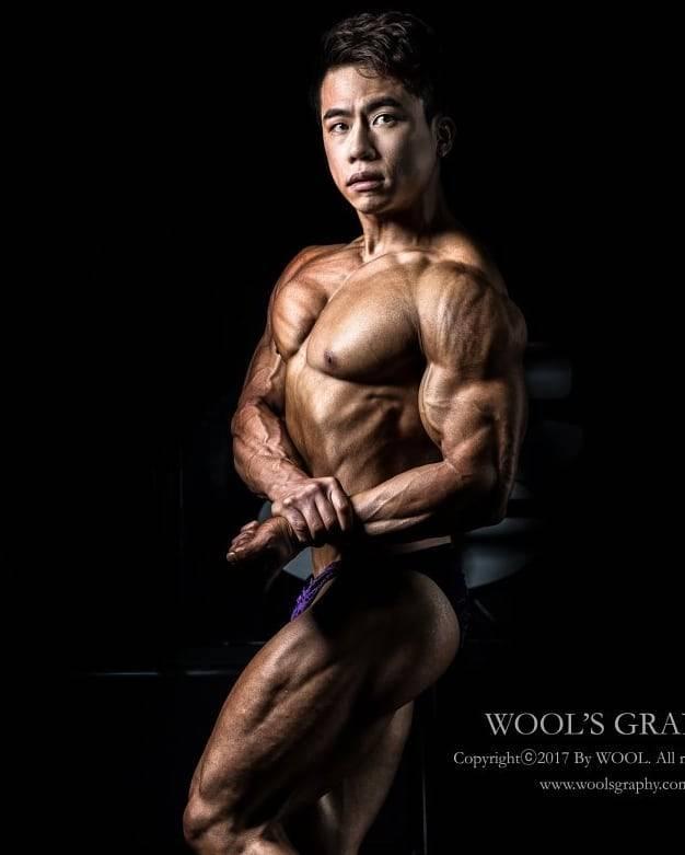 Asian muscle hunks