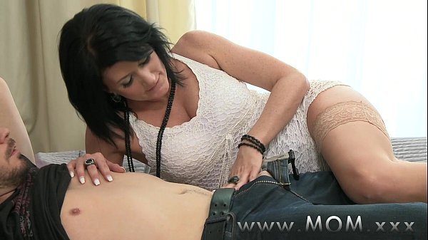 Mature mom sex xxx