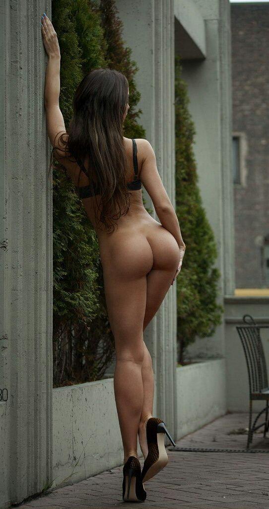 Hot sexy nude girls perfect ass