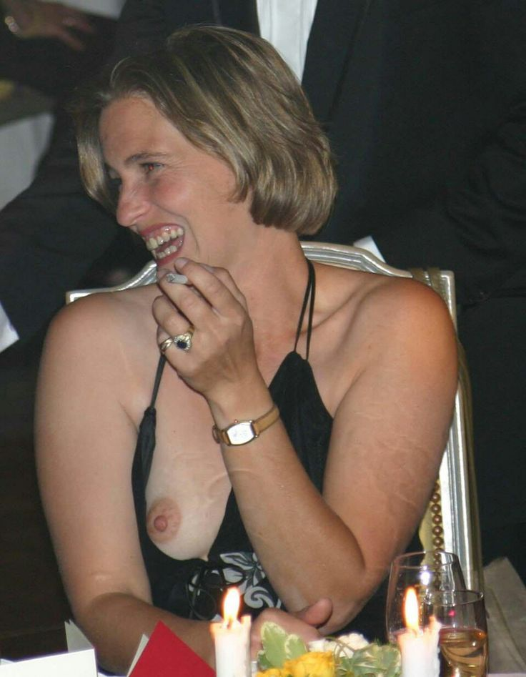 Mature downblouse nip slip