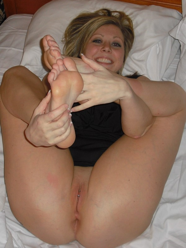 spreading amateur legs natural milf busty