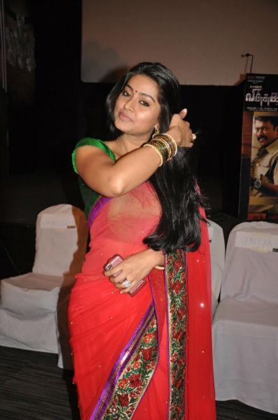 Actress sneha hot in saree