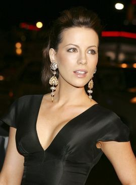 Kate beckinsale tits and ass