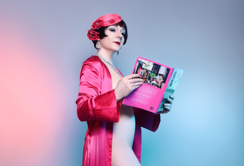 Sexy nude women reading magazines
