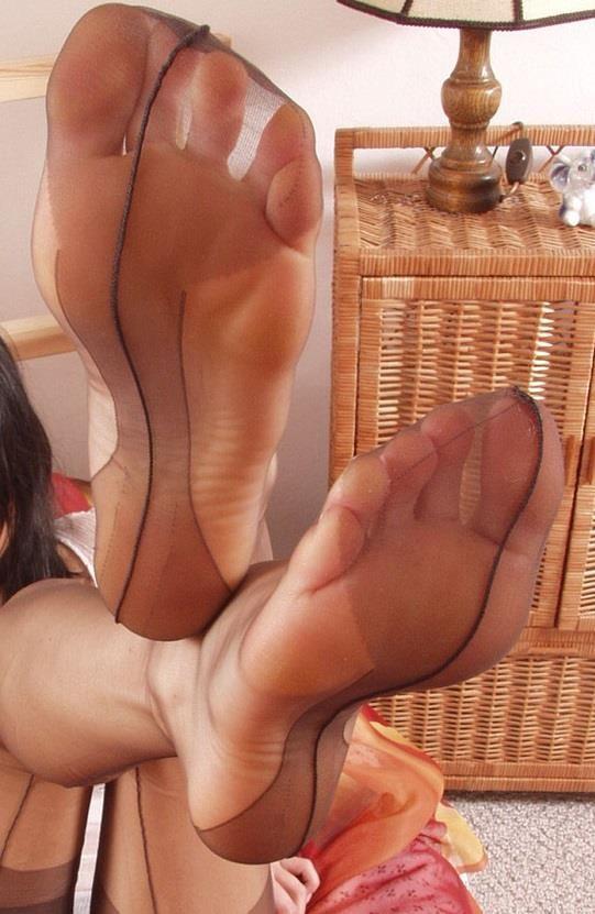 Sexy sheer nylon feet