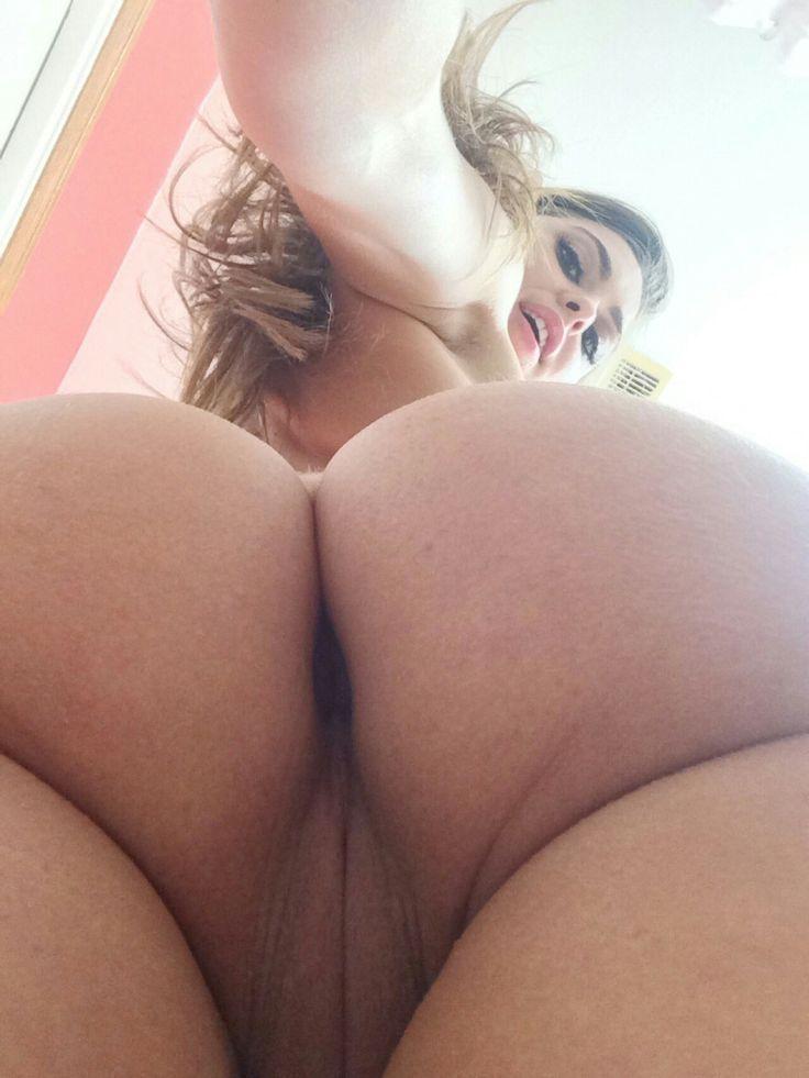 Naked girls nice ass