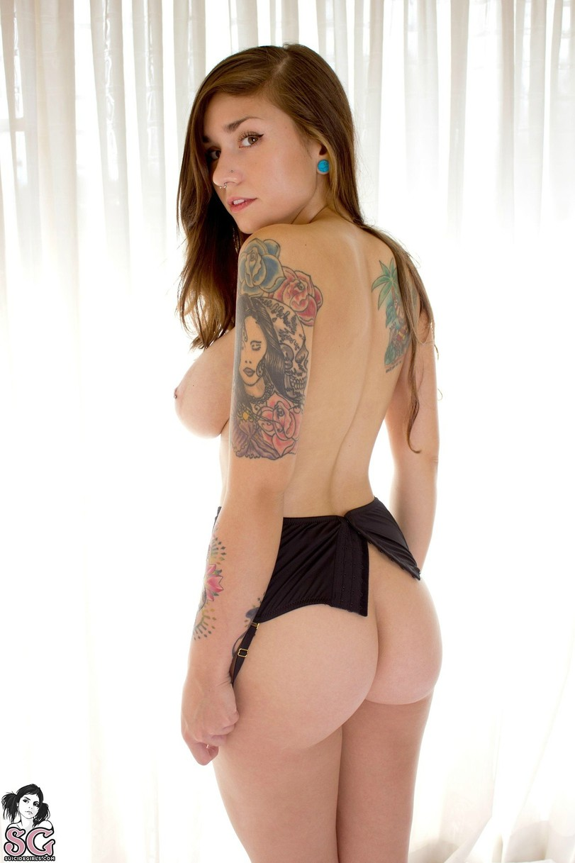 Cute girls naked ass