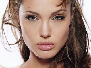 jolie eyes Angelina green