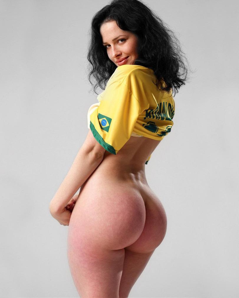 Cute girls nude ass