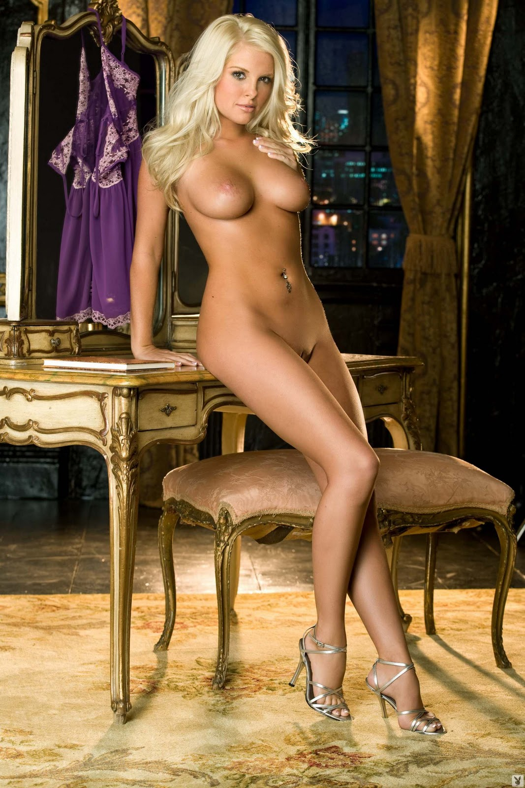 The Holly madison nude uncensored seems