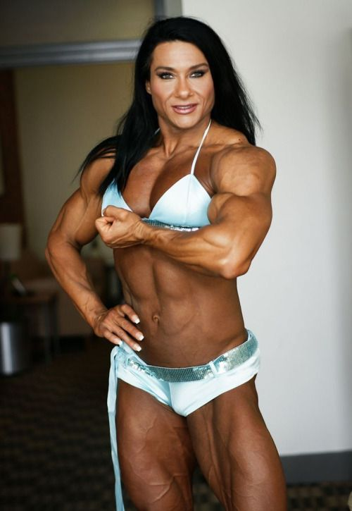 Amateur muscle girl