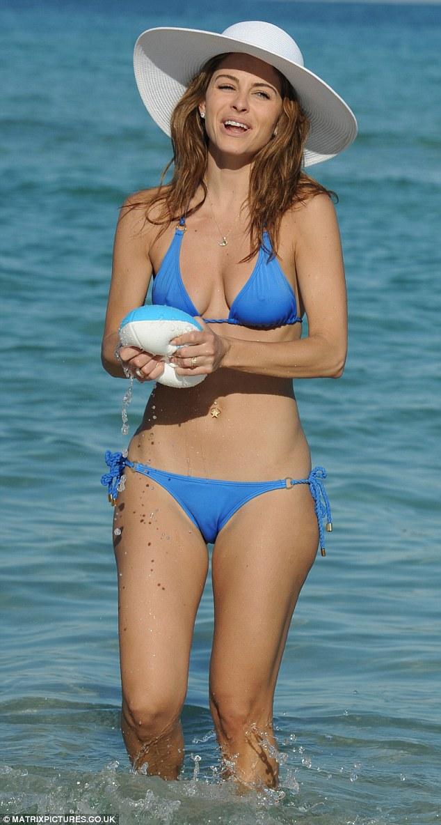 menounos malfunction Maria bikini