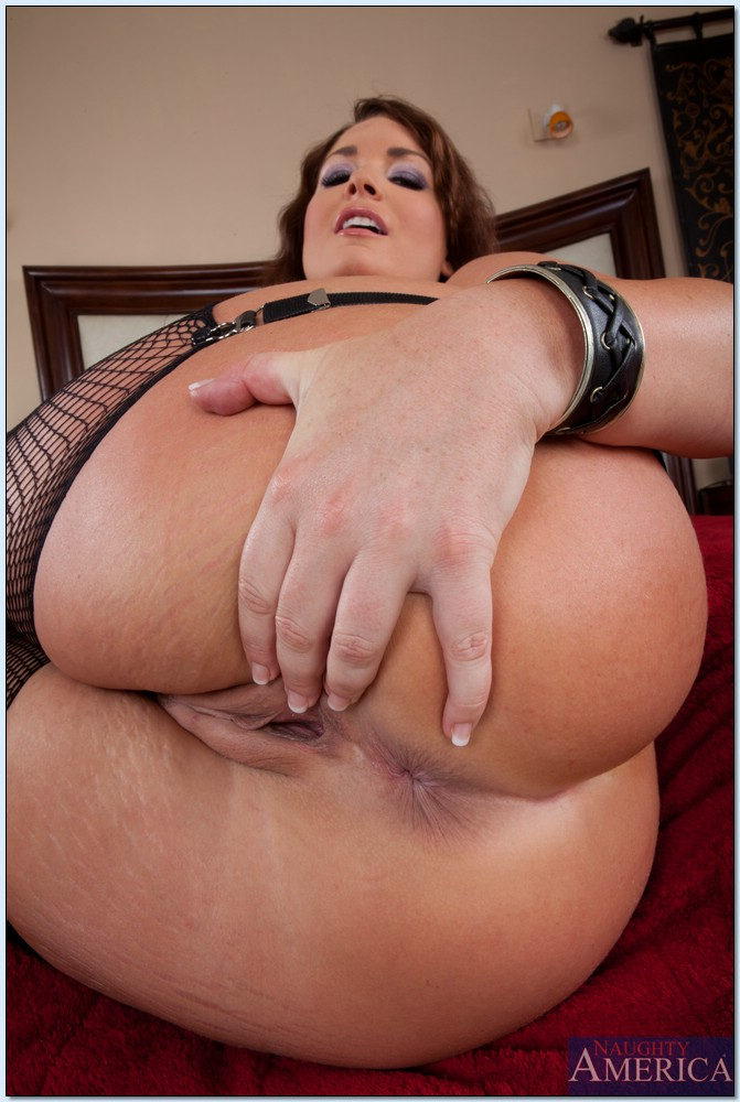 Big butt flower tucci ass