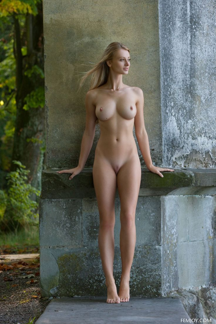 Tall leggy blonde nude women