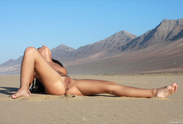 Naked girl desert