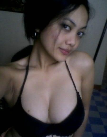 Busty naked malay wife