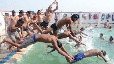 Hottie public pool