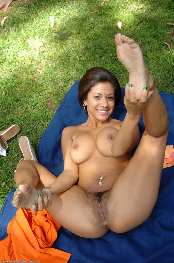 nude Hot latina milf