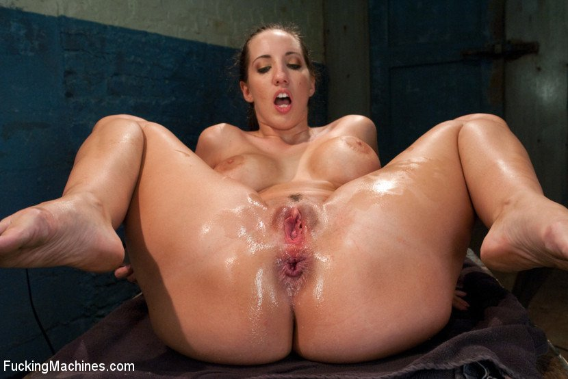 Kelly divine anal fisting