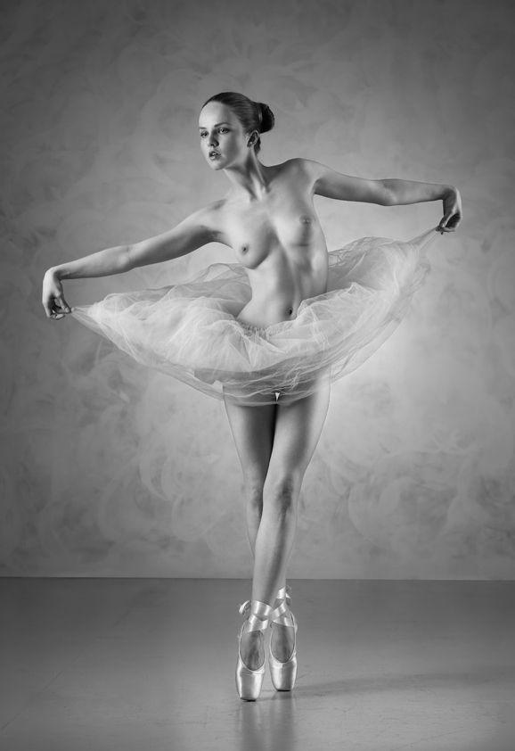 Girl ballet dancers nude