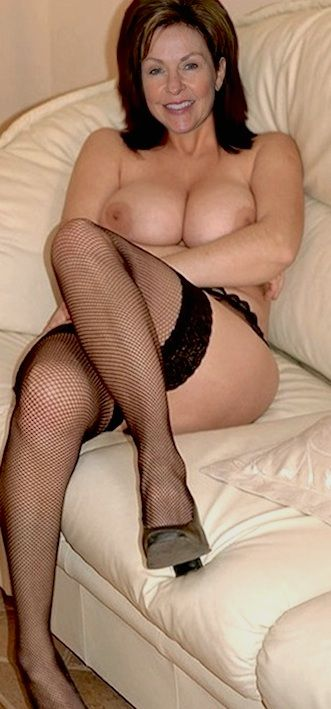 Beautiful nude mature older women