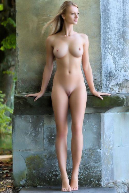 Tall blonde woman nude
