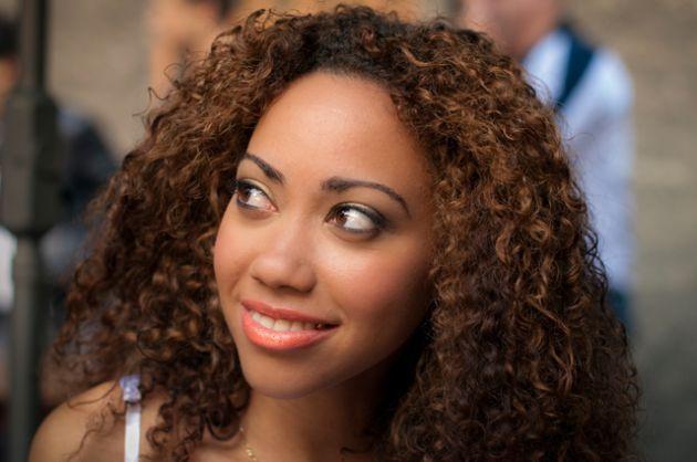 curly hair Latina