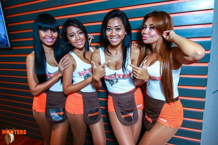 Thai girls showing pussy in the club