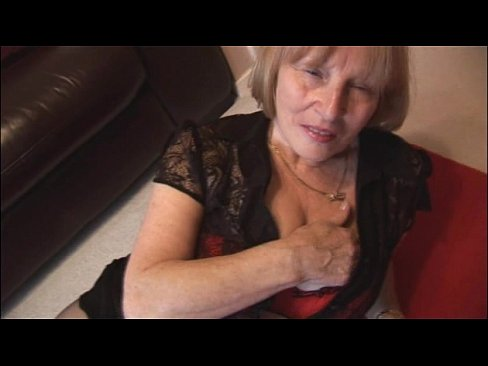 granny Mature pantyhose hairy