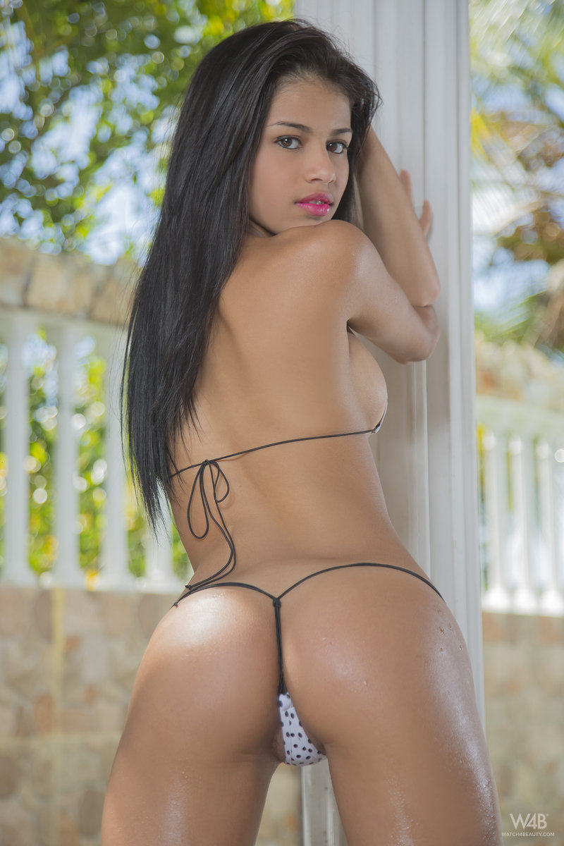 Sexy latinas picture