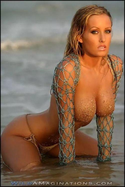 Nude Jessica tits barton