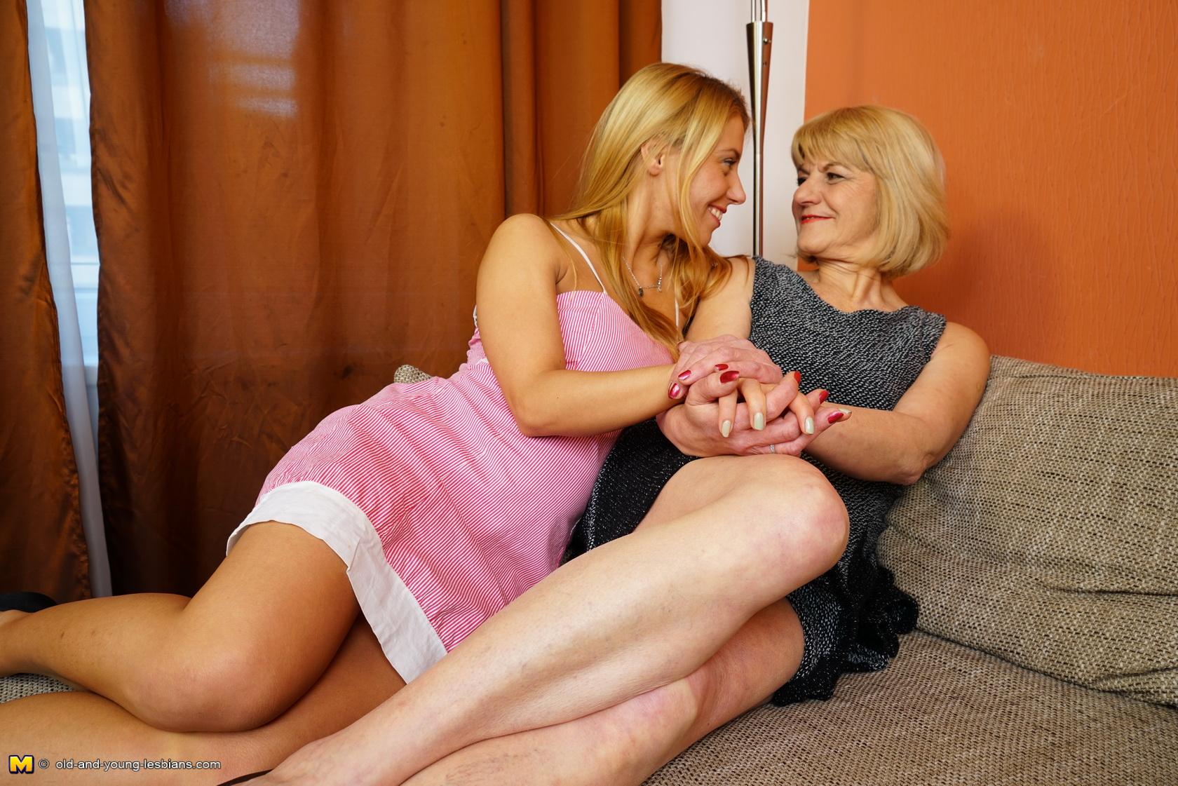 Horny mature lesbians