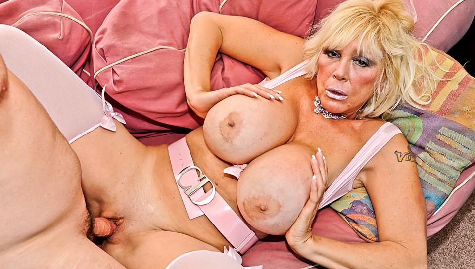 stars Blonde granny porn