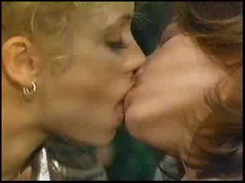 Lesbian gina gershon nude