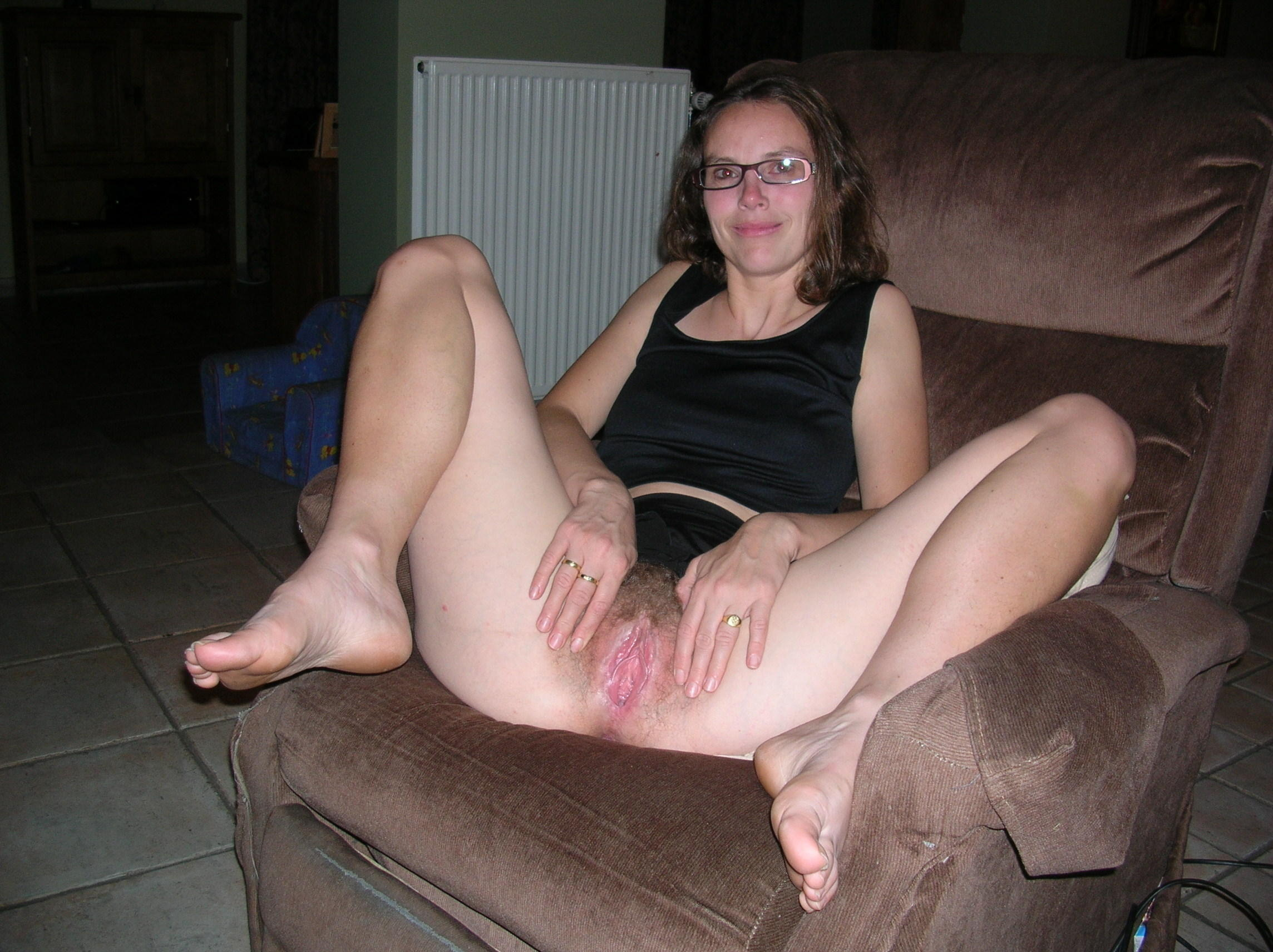 Amateur housewife pussy