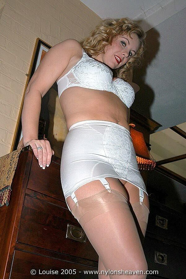 Mature women girdles stockings