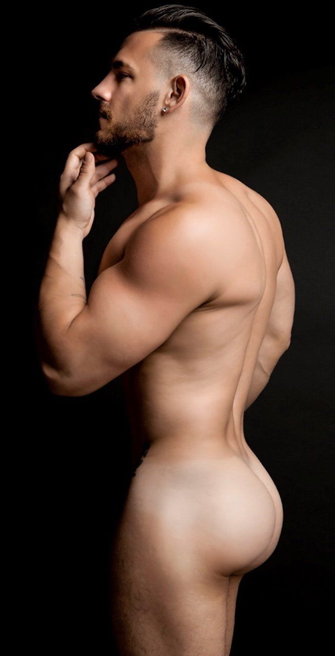 Hot naked men with bubble butts