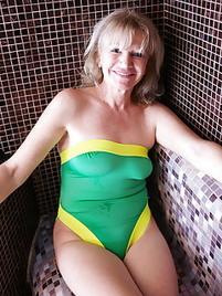 Grannies in bikinis porn