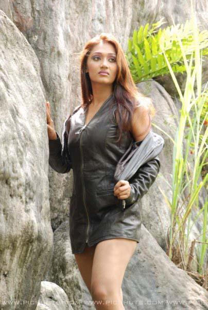 Hot sri lankan actress upeksha swarnamali sex