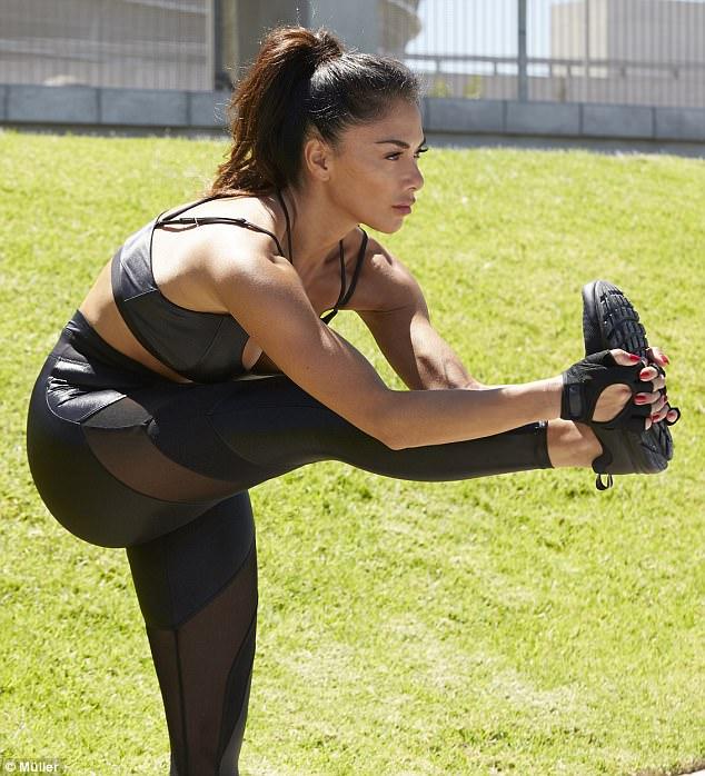 Slutty gym trainer milf pays off