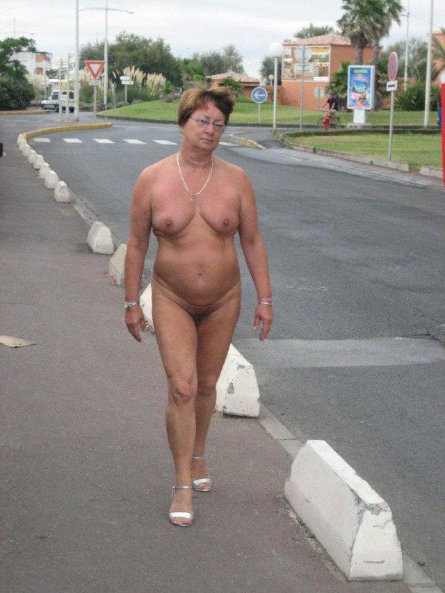 Naked women tube