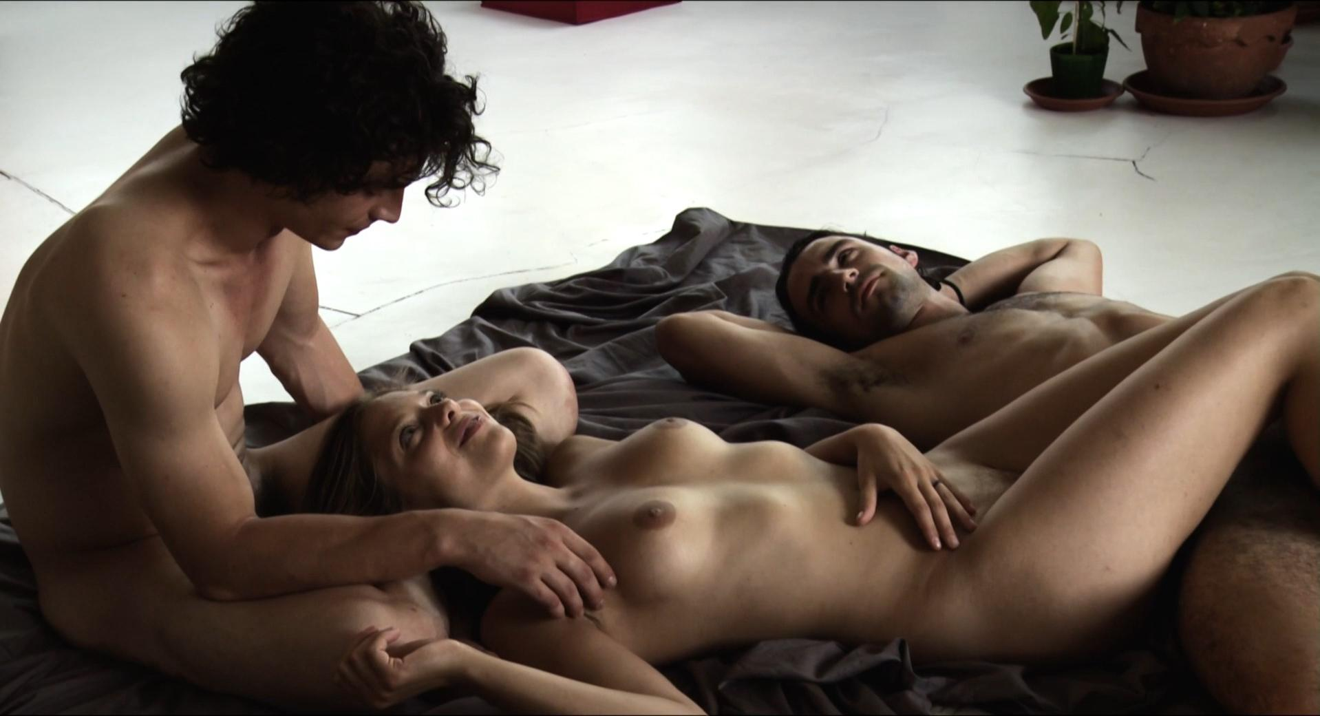 Lizzie brochere american translation in nude