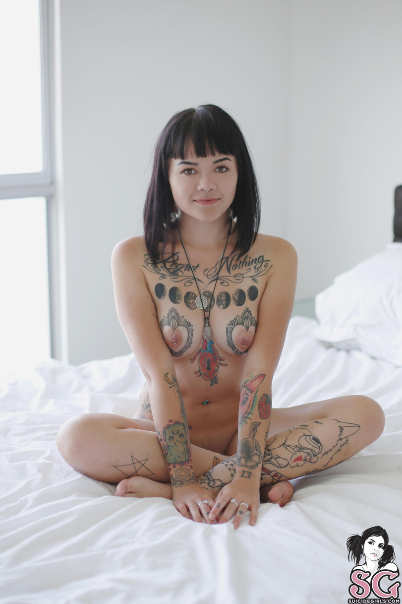 Sexy suicide girls nude
