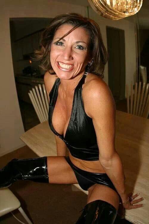 sex Slutty mature women
