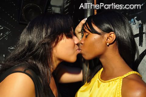 Hot black girls lesbians making out
