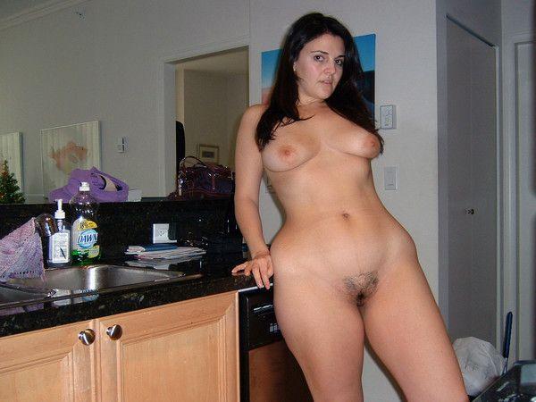 Jolie amatrice nue
