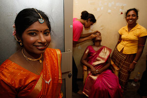Sri lanka tamil women