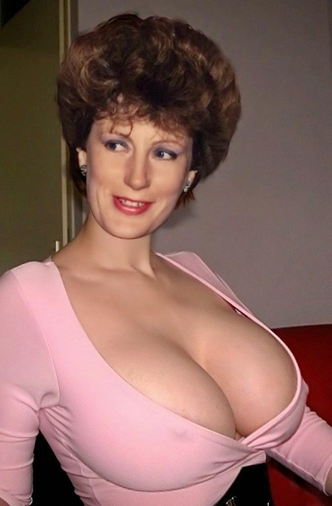 bra cleavage women Mature
