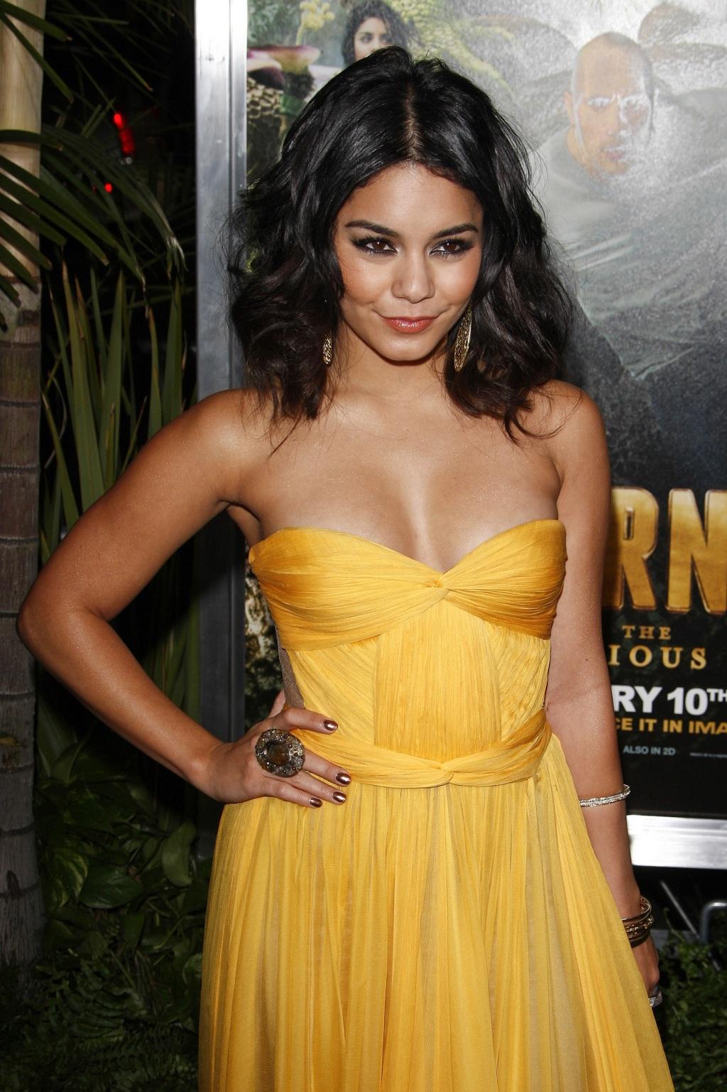 Vanessa hudgens cleavage